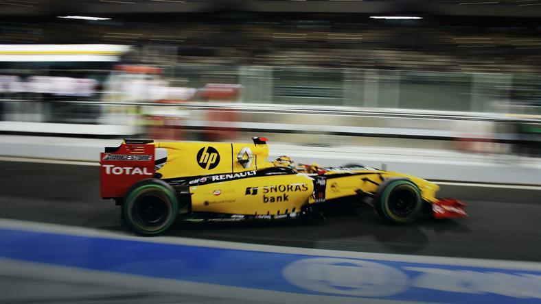 Rok 2010 - ostatni rok Roberta Kubicy w F1 i ostatni, w którym Renault występowało w fabrycznych barwach. Żółty kolor sportowy Renault już wkrótce może wrócić do Formuły 1, fot. www.facebook.com/cezarygutowskiofficial