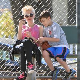 Gwen Stefani z dziećmi i nowym chłopakiem