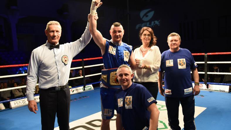 Szellő Imre nyert, megvédte nemzetközi bajnoki övét