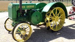Zabytkowe traktory w muzeum na Litwie