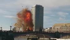 PANIKA Jeziva eksplozija na mostu u Londonu, a za nju je kriv Džeki Čen