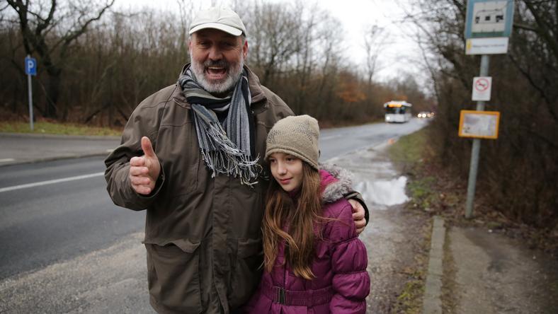 Zsófi apukája, Róbert Facebookon köszönte meg a sófőr jóságát / Fotó: Grnák László
