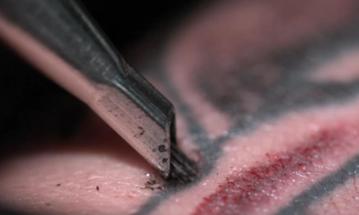 Jak Wygląda Robienie Tatuażu Zobacz W Spowolnieniu I
