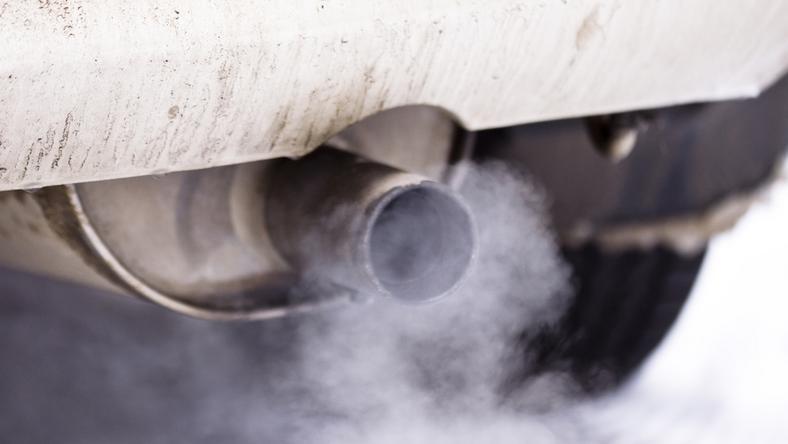 Azért indíthatták be a kocsit, hogy ne fázzanak / Fotó: Northfoto