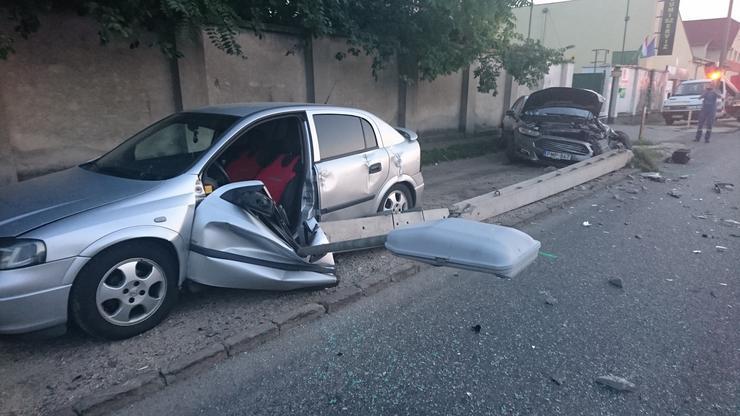 A baleset pénteken18óra 58 perckor Budapest IX., Illatos út 11. szám előtt történt./ Fotó: Blikk