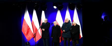 Prawie ukradł show Kaczyńskiemu. Prezes PiS zachował kamienną twarz