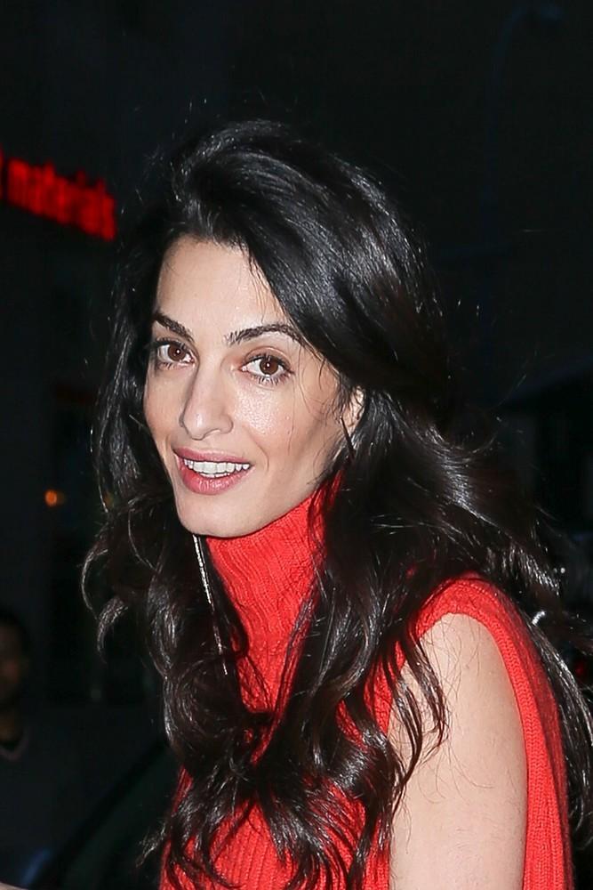 Amal Clooney w sukience Akris