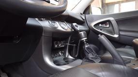 Radio CB w luksusowym samochodzie