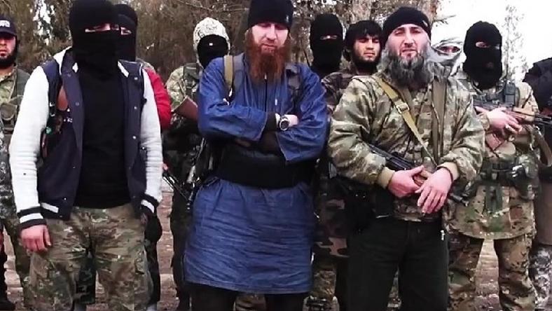 Shishani kékben, középen. Az IÁ vezetőjével légicsapás végezhetett
