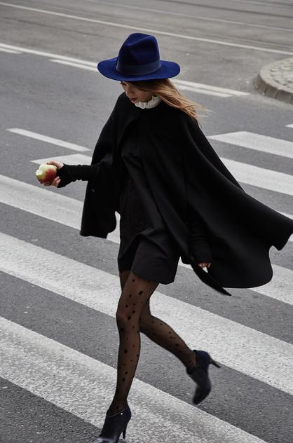 Peleryny i kapelusz