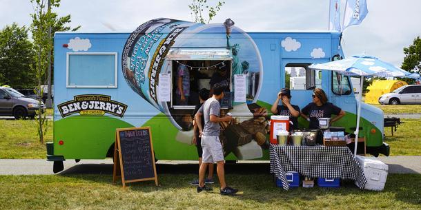 10 warszawskich food trucków w wersji light