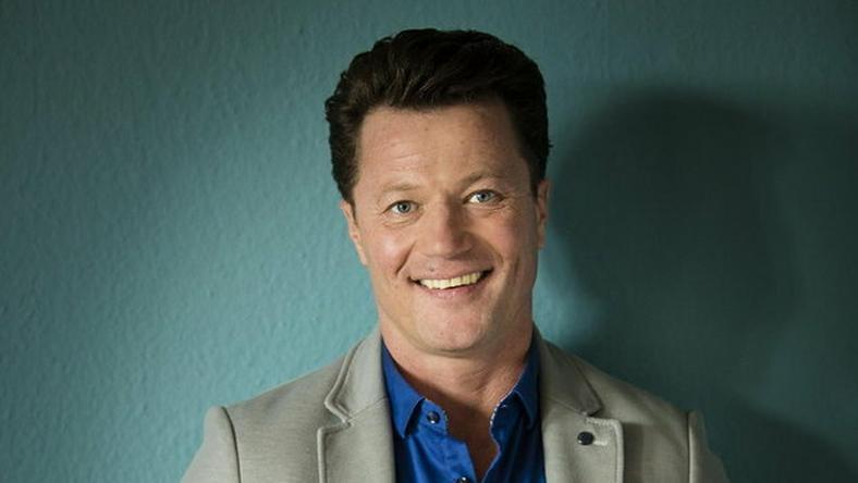 Így jelenik meg most fejünkben a népszerű színész, de hogy is nézett ki 20 éve? /Fotó: RTL
