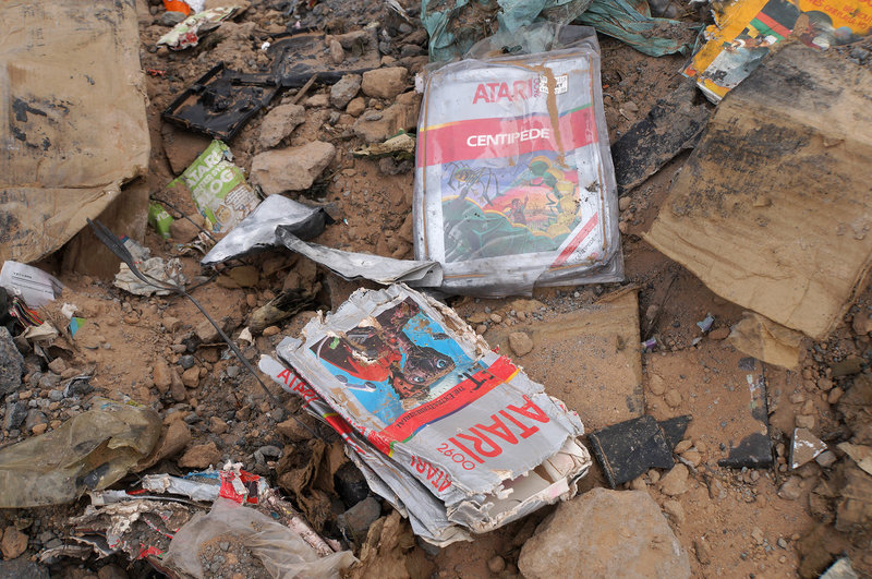 Na púšti sa našli zakopané tisícky kusov poškodeného a nepredaného tovaru od Atari.