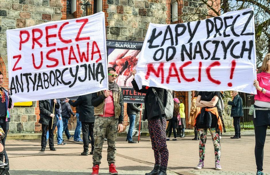 Manifestacje przeciwko ustawie antyaborcyjnej w Warszawie