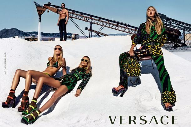 Gigi Hadid, Natasha Poly i Raquel Zimmermann w kampanii Versace