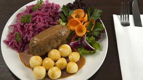 Wodzionka, żur, rolada z kluskami i modrą kapustą oraz pijok - tradycyjne dania województwa śląskiego