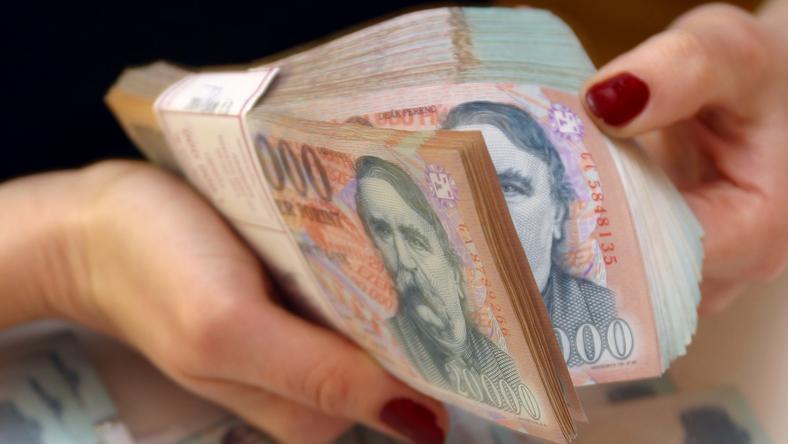 Milliárdos áfacsalókat kapott el a NAV