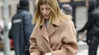 Płaszcz wiązany w pasie