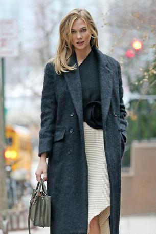 Best Look: Karlie Kloss w sukience A.W.a.K.E