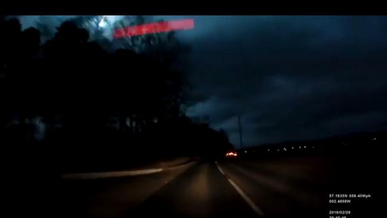 Rengetegen kamera kapta lencsevégre a különös jelenséget. /Fotó: Youtube