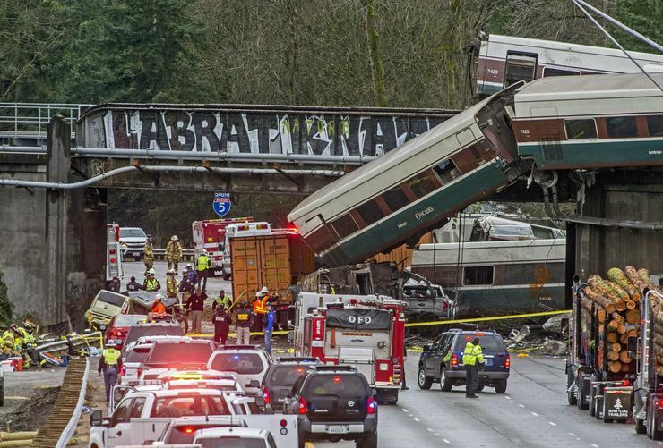 Legkevesebb három ember meghalt a Washington államban található DuPont városánál /Fotó: MTI