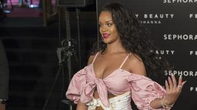 Rihanna zaszalała z dekoltem