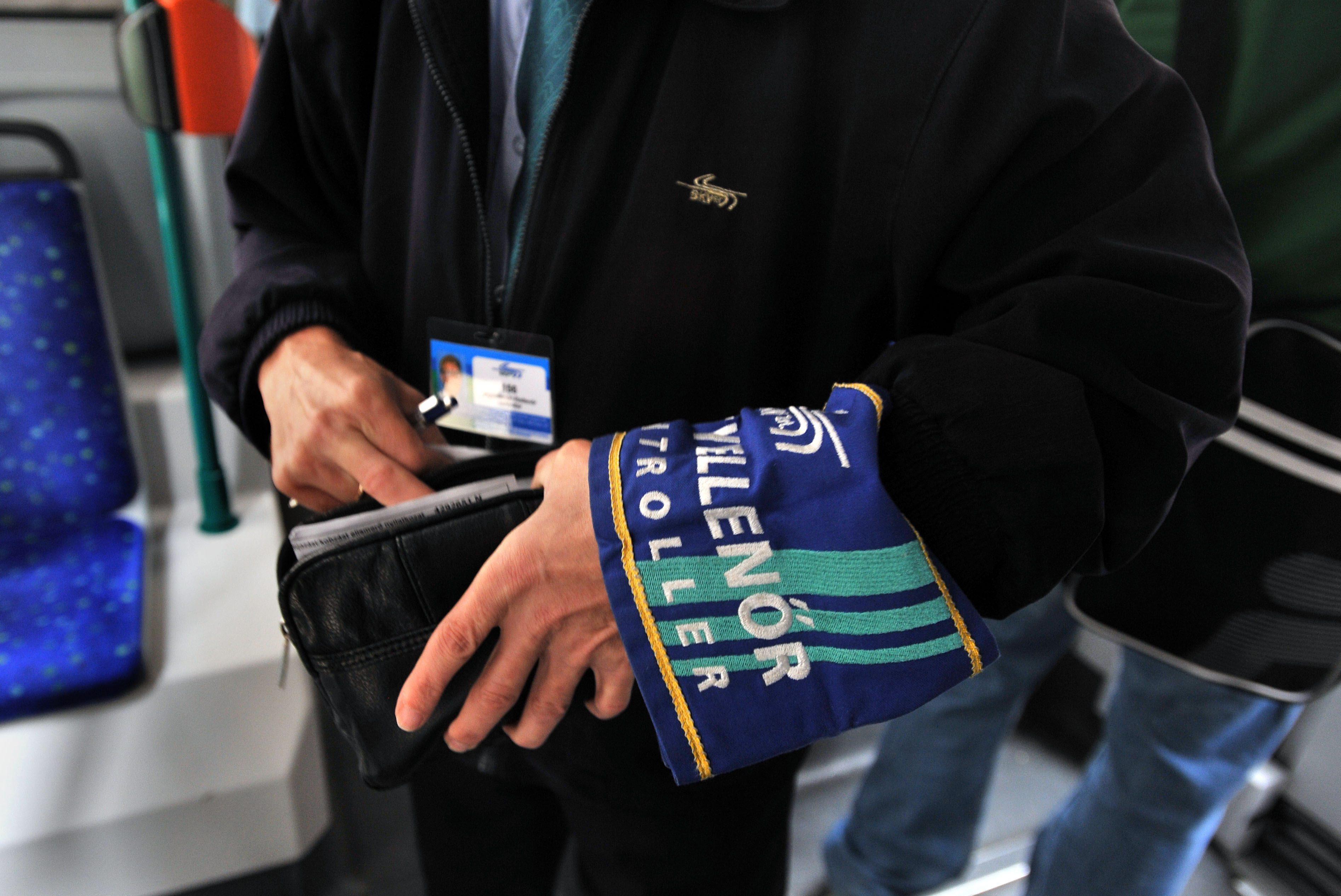A BKK is bekeményít: testkamerát kaphatnak a jegyellenőrök