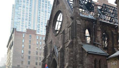 """DAN POSLE POŽARA NA USKRS """"Ponovo ćemo izgraditi crkvu"""""""