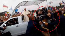 Rzucił się na papieża. Jak zareagował BOR?