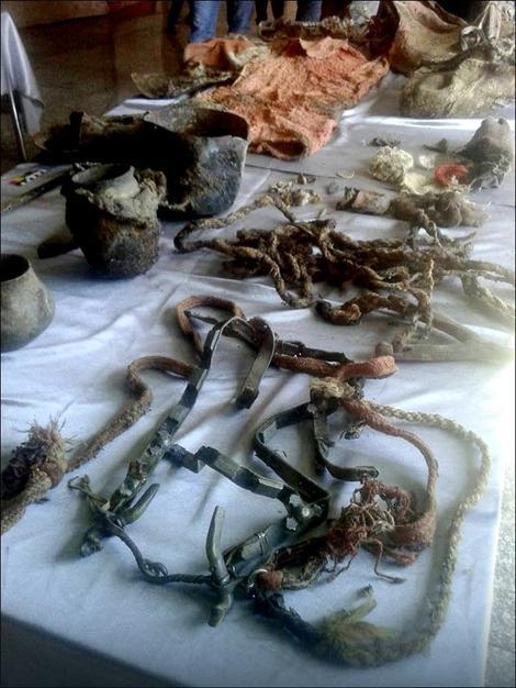 Brojni predmeti nađeni u grobnici