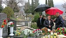 """NAJTEŽE JE BITI ČOVEK"" Valentin Incko na grobu Srđana Aleksića"