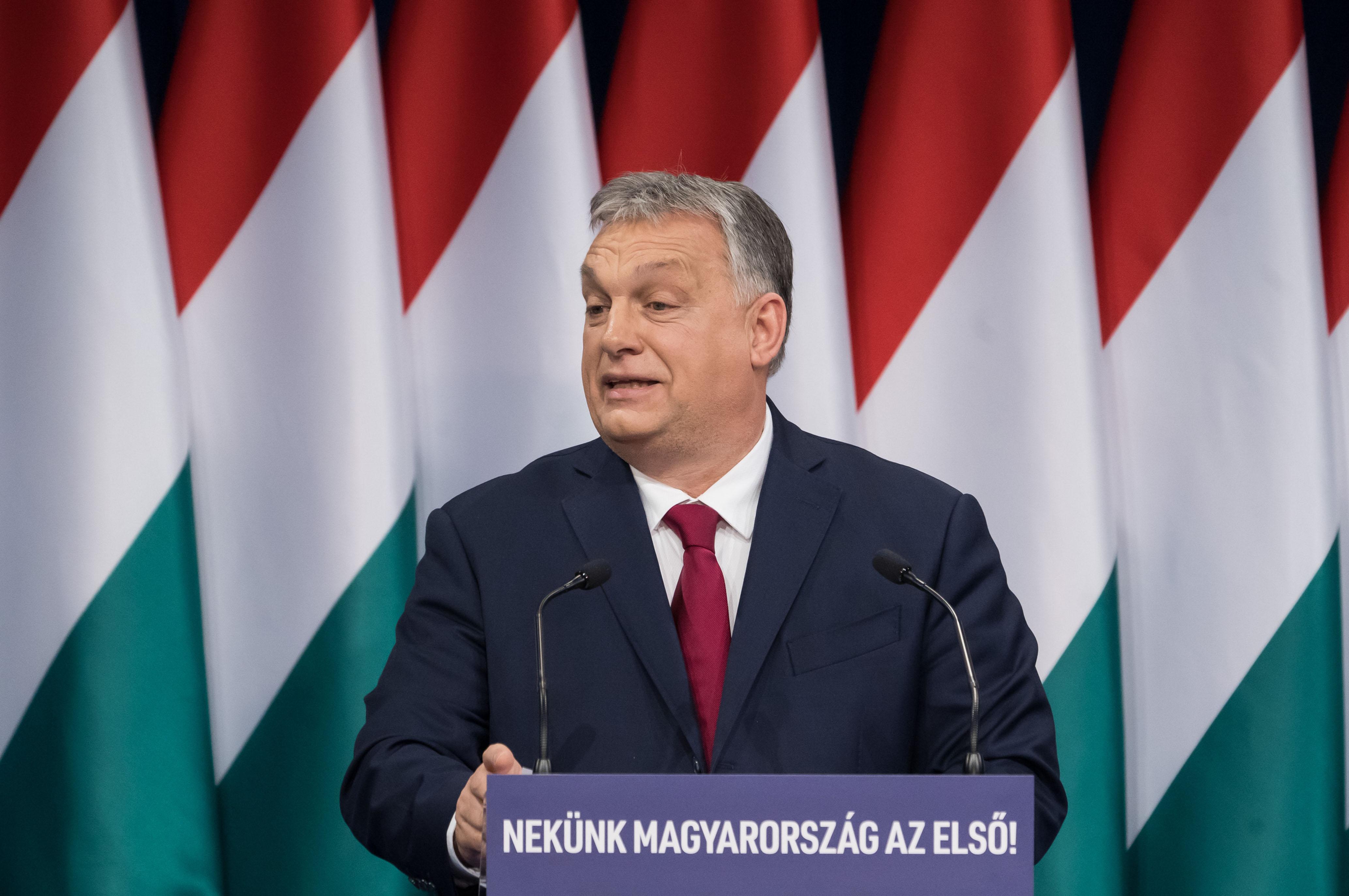 Orbán Viktor: Egyetlen magyar sincs egyedül | motiver.hu