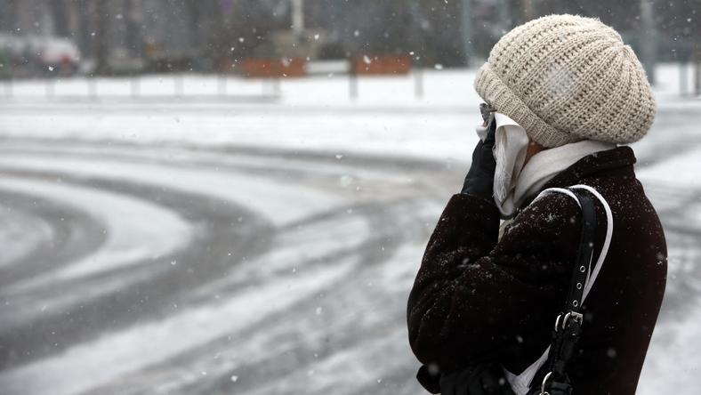 Sokakat rosszul érintett a fagy: volt, aki arcát eltakarva óvta magát a hideg levegőtől / Fotó: Isza Ferenc