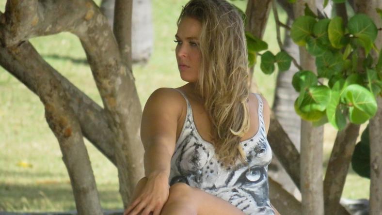 Ronda Rousey testét csak a festék takarta /Fotó: Northfoto