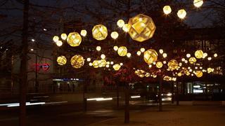 Niesamowita instalacja świetlna Toma Dixona