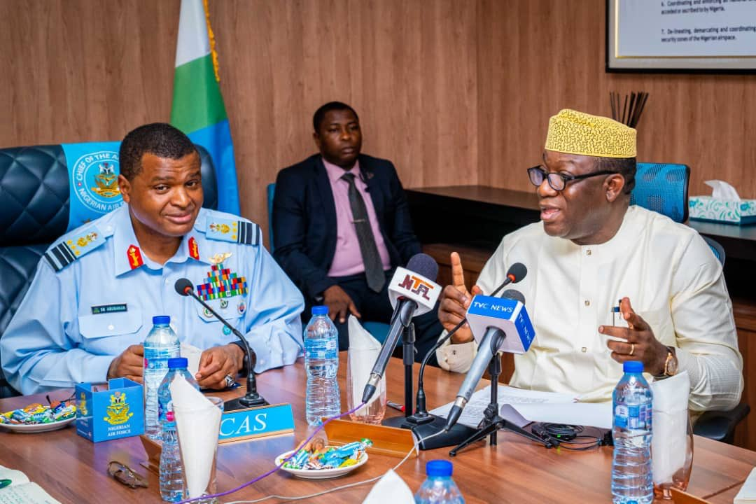 The Chief of Air Staff (CAS), Air Marshal Sadique Abubakar receives Governor Kayode Fayemi of Ekiti state in his office in Abuja. [Twitter/@ekitistategov]