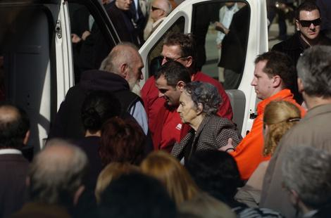 Baka Maru sa sahrane odvezla Hitna pomoć