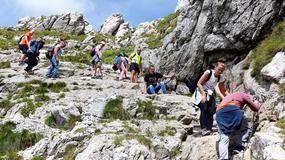 Tłumy w Tatrach. Gigantyczne kolejki na Giewont