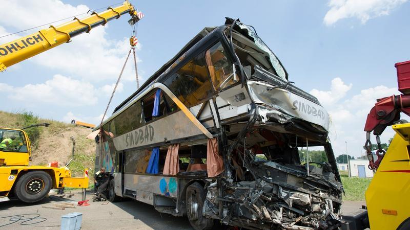Zidentyfikowano siedem ofiar wypadku drogowego pod Dreznem