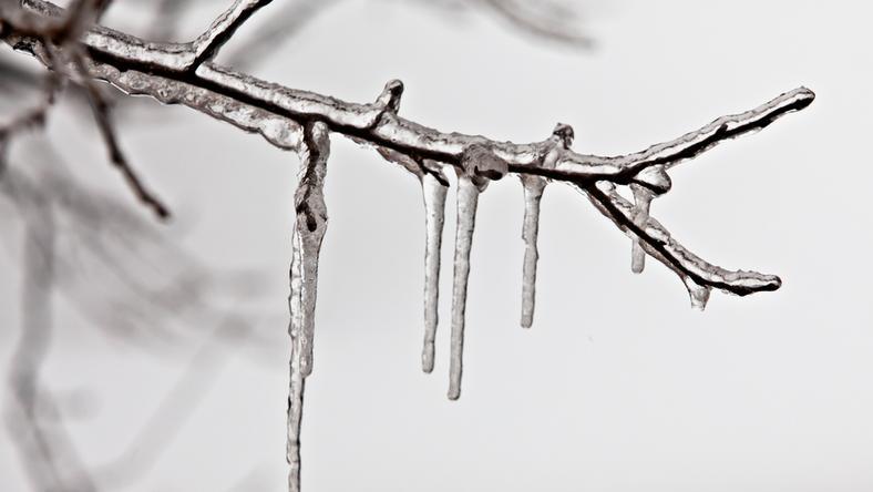 Ugyanígy fagy rá az utakra a jégpáncél, ahol ónos eső esik, nagyon veszélyes! / Fotó: Northfoto