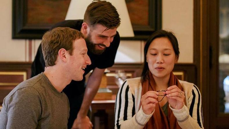 Pique Zuckerberggel és feleségével vacsorázott /Fotó: Facebook