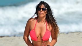 Claudia Romani kusi ciałem w bardzo skąpym bikini