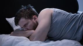 Nie możesz spać? Poznaj osiem metod ułatwiających zasypianie