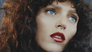 """Odmieniona Anja Rubik w sesji dla """"Vogue Paris"""""""