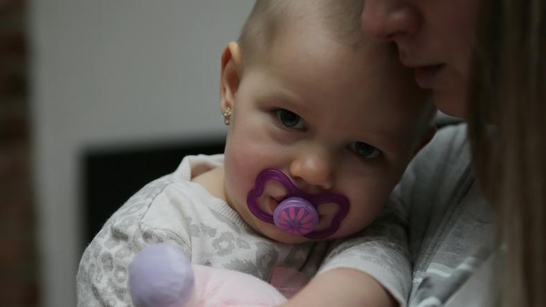 Petra (30) majdnem elájult, amikor meglátta, hogy az akkor egyéves Emili hüvelyéből vér folyik /Fotó: Grnák László