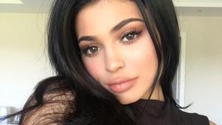 Kylie Jenner ikoną stylu według zagranicznych mediów