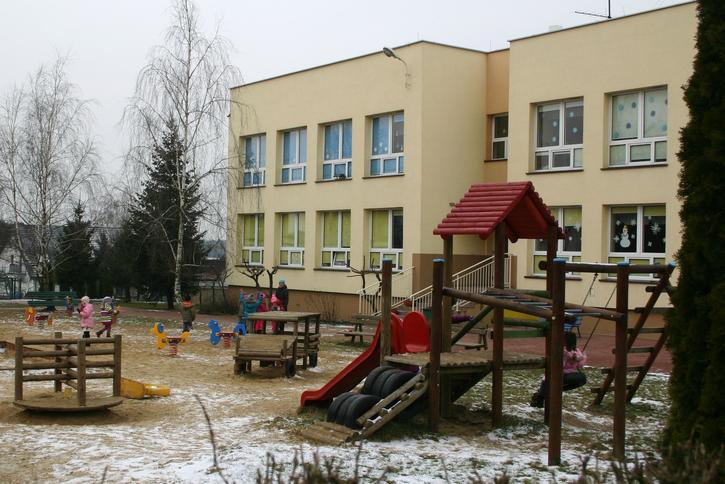 Dziecko wypadło z okna w przedszkolu