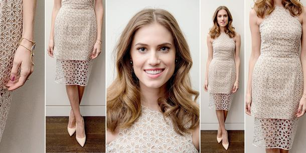 Best Look: Allison Williams w sukience Alexander McQueen