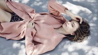 """Rozmarzona Miranda Kerr na okładce magazynu """"Gritty Pretty"""""""