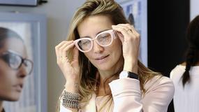 Piękna Kamilla Baar w okularach. Jak wygląda?